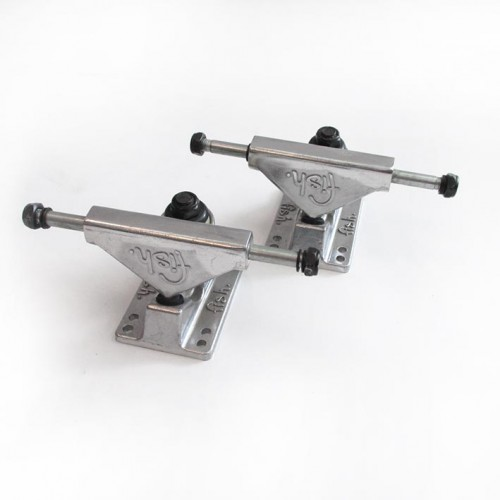 Fish skateboard Trucks set