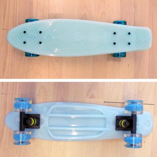Πλαστικό skateboard 22.5'' που λάμπει στο σκοτάδι με led ρόδες Γαλάζιο Fish