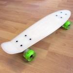 Πλαστικό skateboard 22.5'' που λάμπει στο σκοτάδι με led ρόδες Λευκό Fish