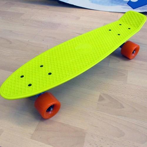 Plastic skateboard 22.5'' Yellow-Green Fish