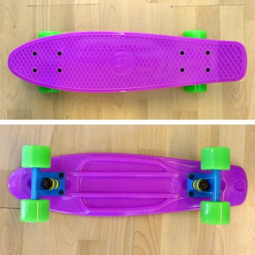 Plastic skateboard 22.5'' Purple Fish